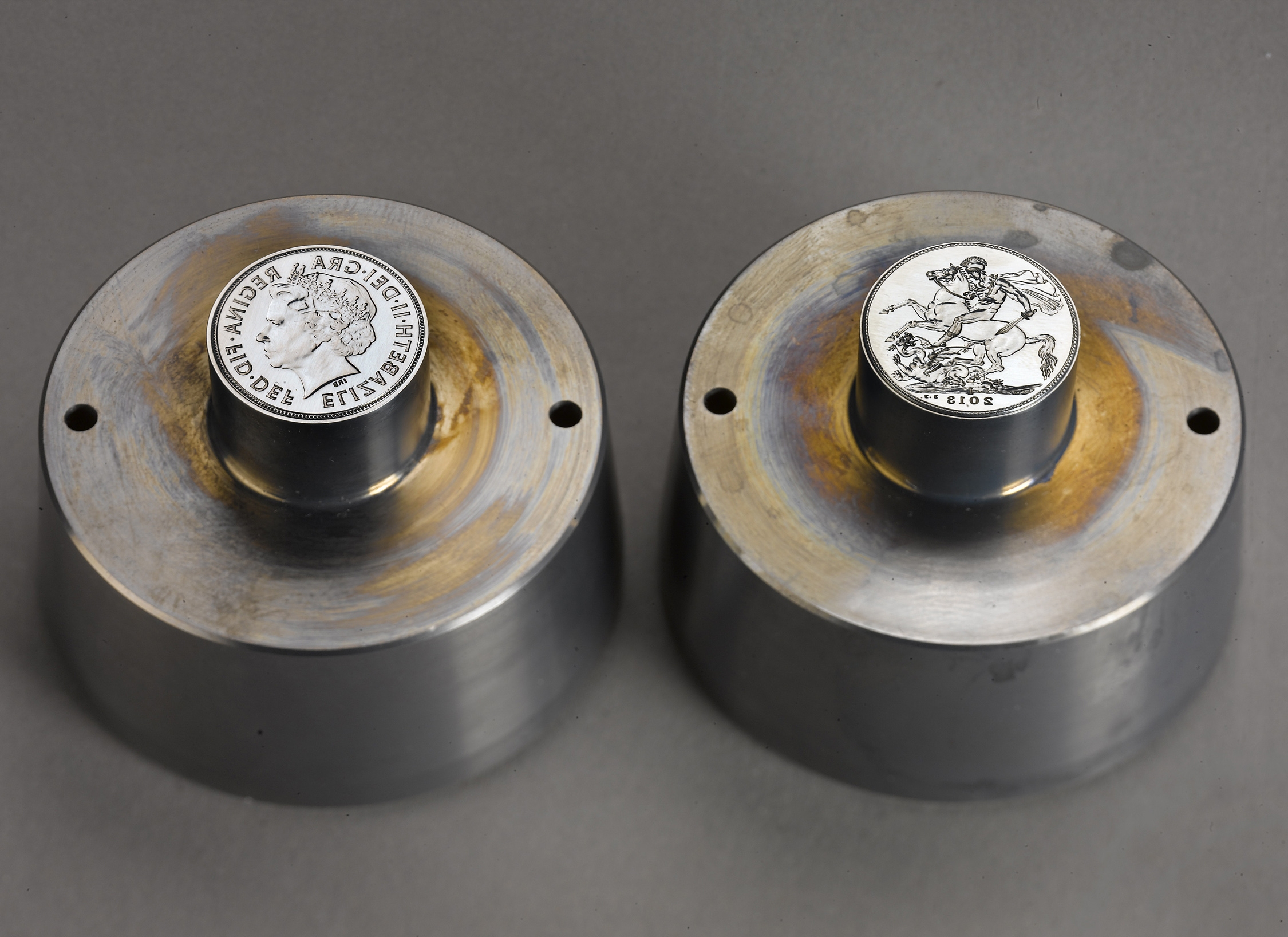 2013_Royal_Mint_and_PAMP_Sovereign_die_tooling_1